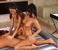 Секс масаж девчонками